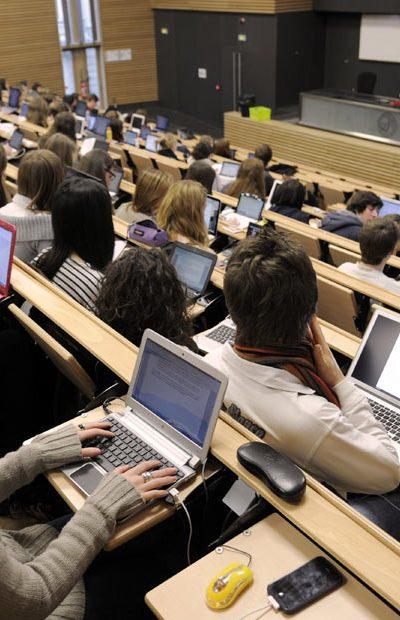 Studije Francuska master osnovne doktorske inostranstvo stipendije Via Academica