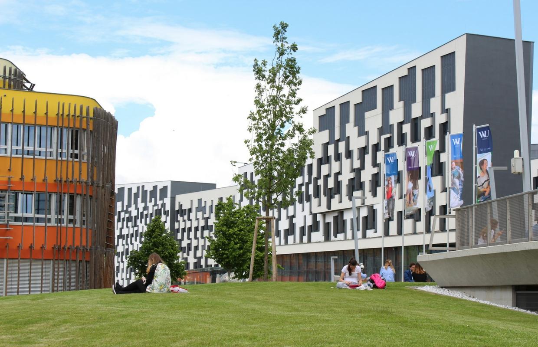 WU Vienna Bachelor Economics Finances Via Academica Scholarships study Austria Wien
