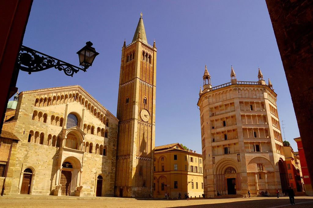parma via academica italija stipendija studije master dase collegio europeo