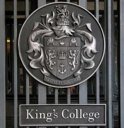 sign-on-gate-of-kings-college-london