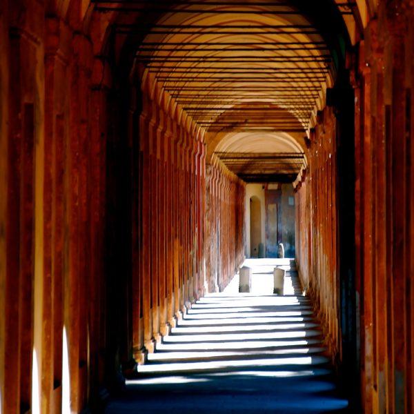 bologna-poseta univerzitetu u Bolonji Via Academica studije i stipendije u inostranstvu