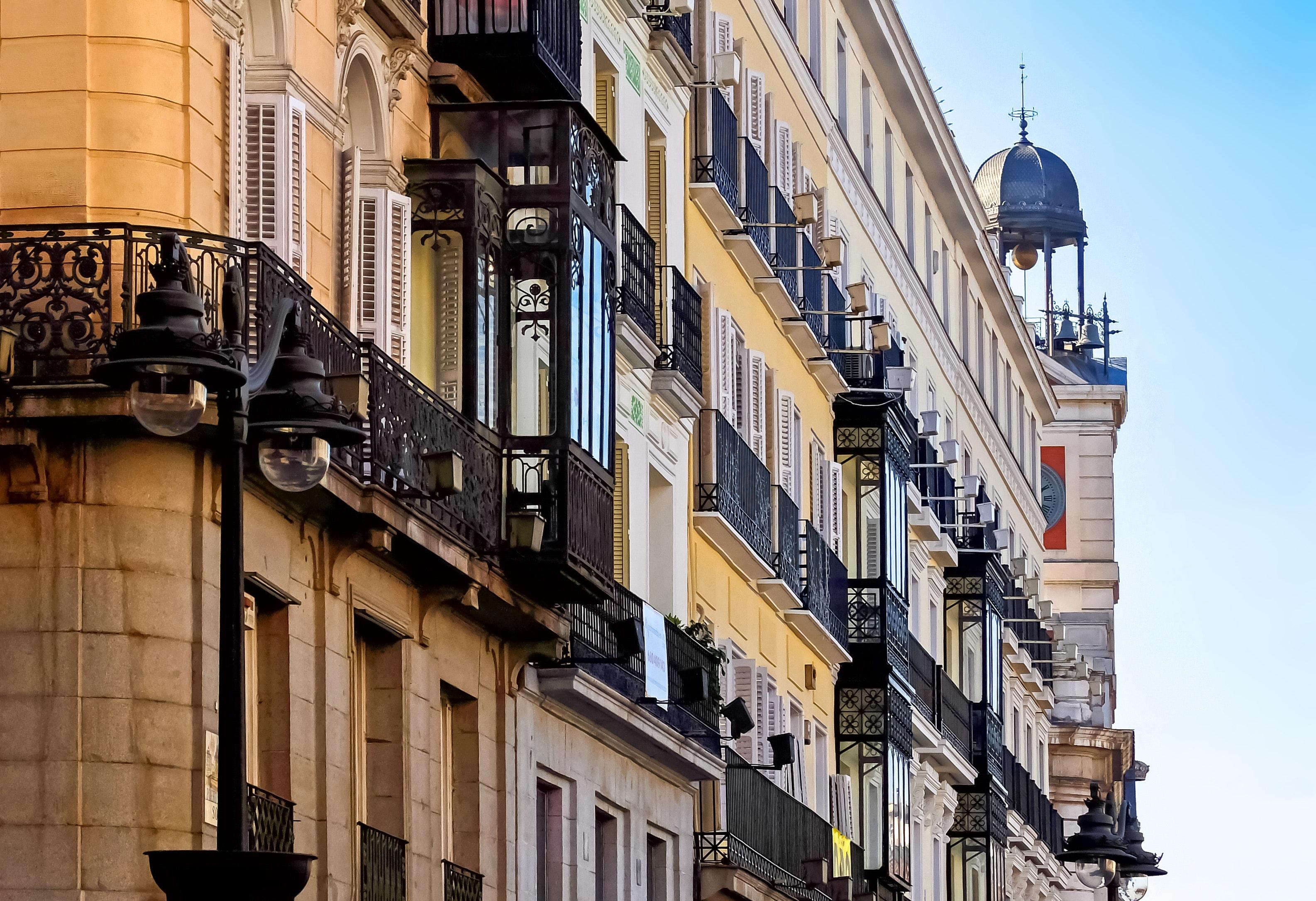 Studije u Španiji na engleskom jeziku master na engleskom spanija studije u inostranstvu madrid barselona via academica