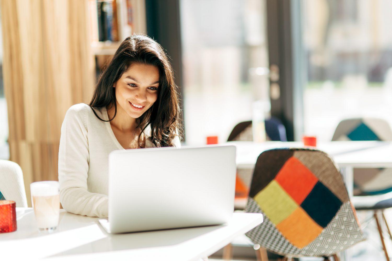 prednosti i mane studiranja preko interneta naslovna